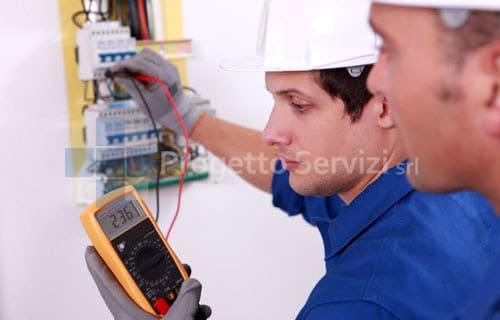 Addetti ai lavori elettrici
